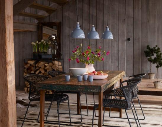 Decoración rústica moderna en comedor de madera