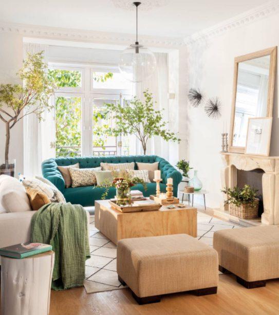 Cojines para sofá verde en color madera o bambú