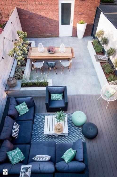 Crea 2 zonas en la terraza de tu ático pequeño