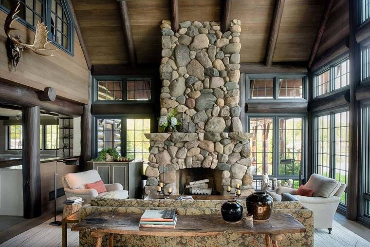 chimenea decorada con piedras grandes