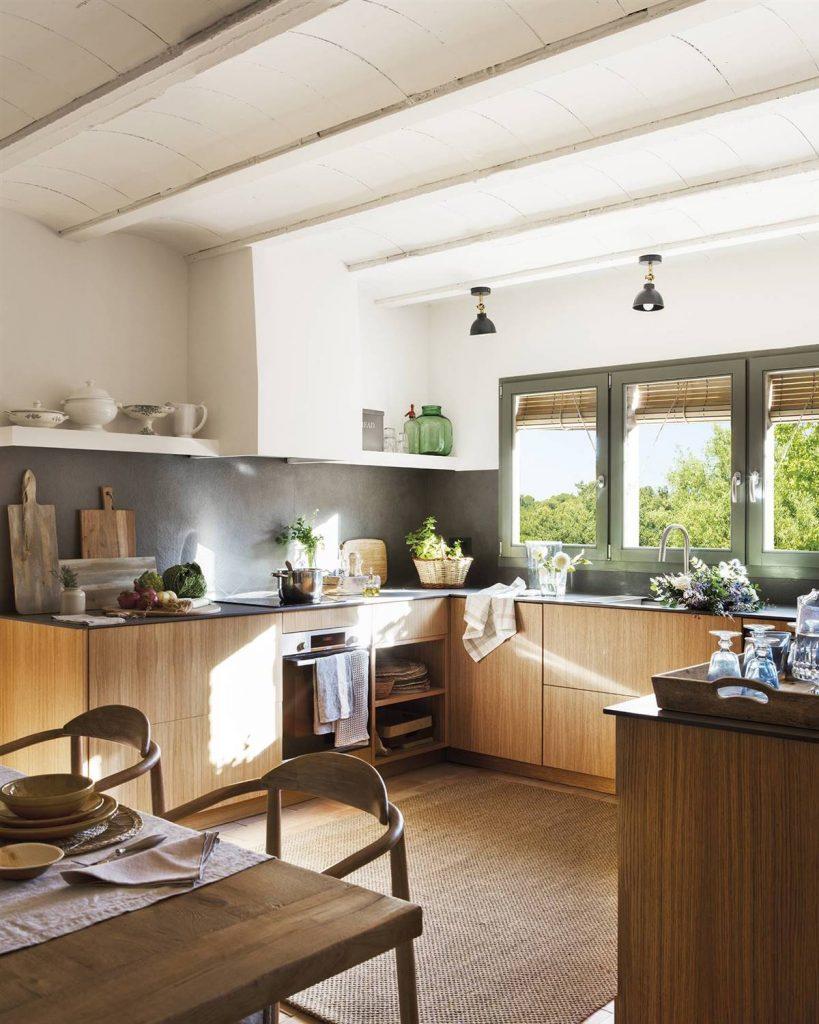 gris para darle un toque moderno a la cocina de campo