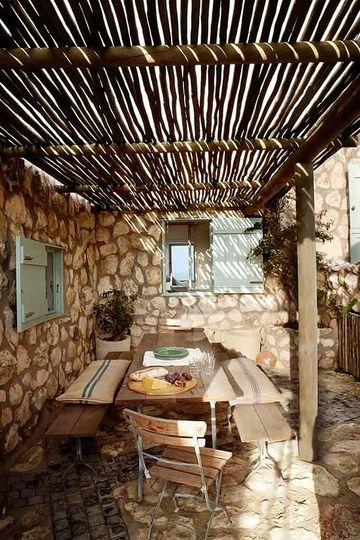 terrazas rústicas con piedras