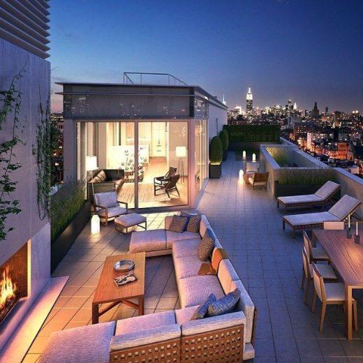 Haz cálida y acogedora la terraza de un ático pequeño