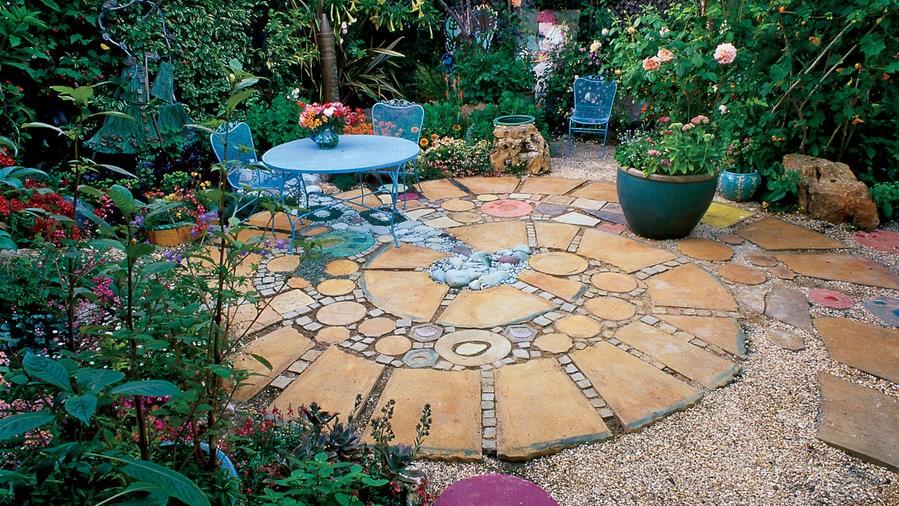 En la variedad está el gusto para decorar patios
