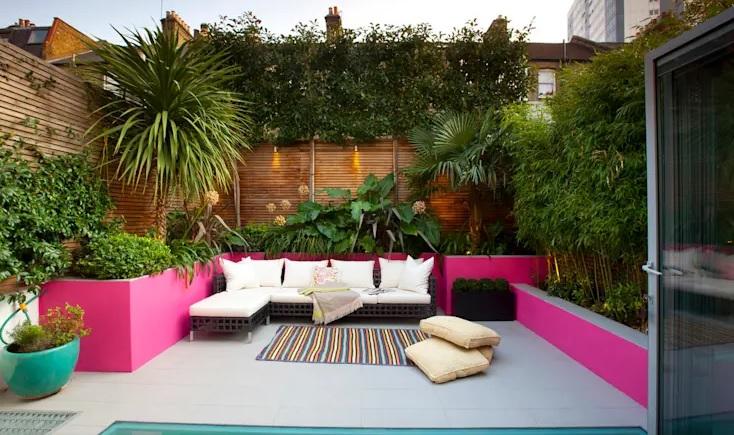 Paredes decoradas y recubiertas  para jardín