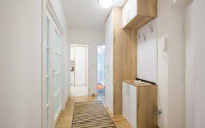 decoración de pasillos estrechos y cortos