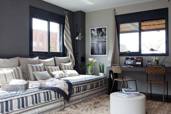 Combina colores neutros y Rayas en tu salón
