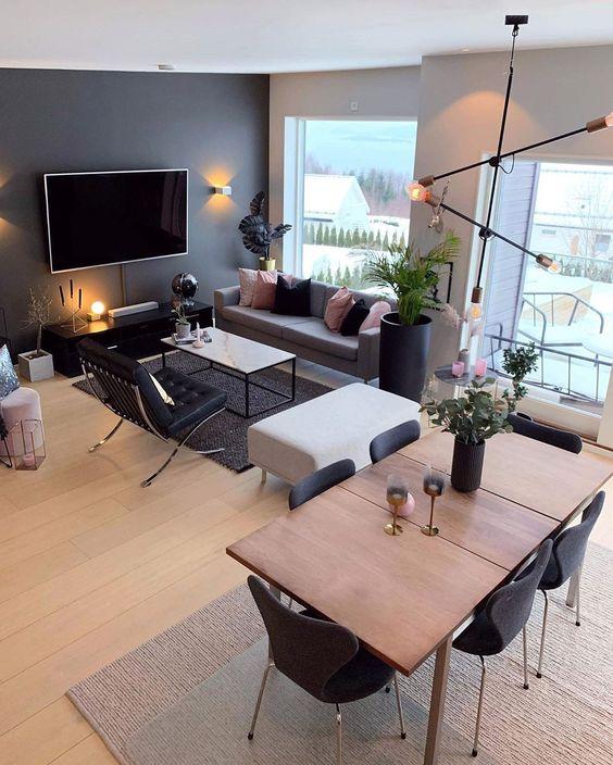 Modernidad en Negro para un salón de 25 m2