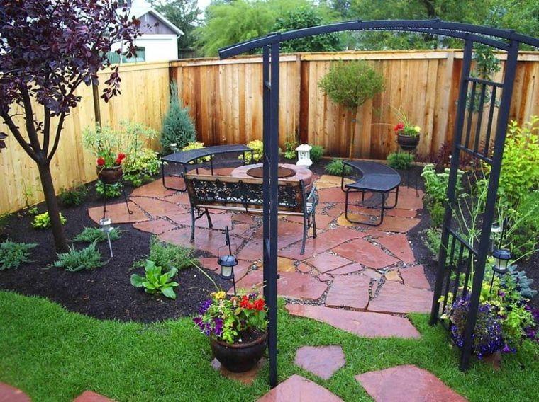 decoración de jardines con mulch con piedras