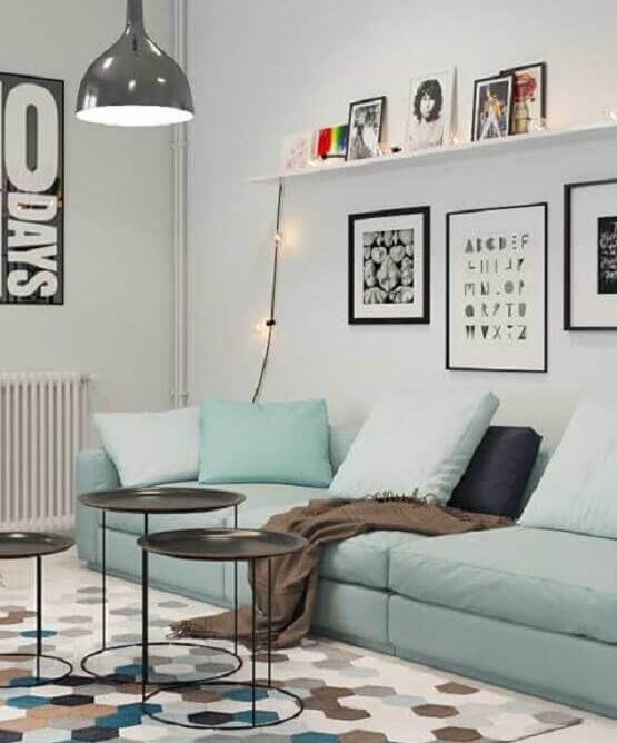 Salón Moderno con un sofá en Azul verdoso