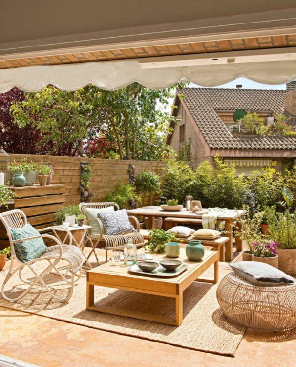 decorar un jardín pequeño con plantas favoritas