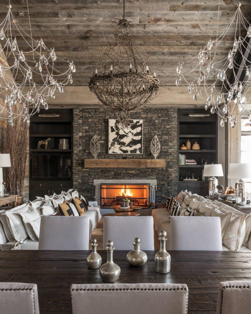 Piedra y madera, materiales perfectos para salones rústicos