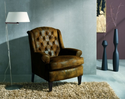 salón con sillón industrial