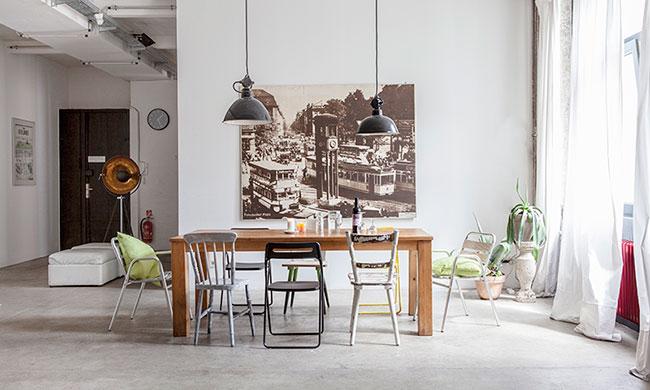 salón con arquitectura industrial