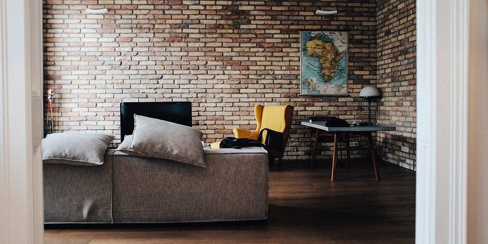 salon industrial con ladrillos