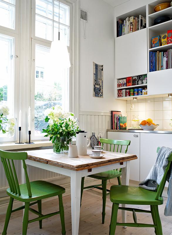 Cocina Comedor Pequeña verde y blanca