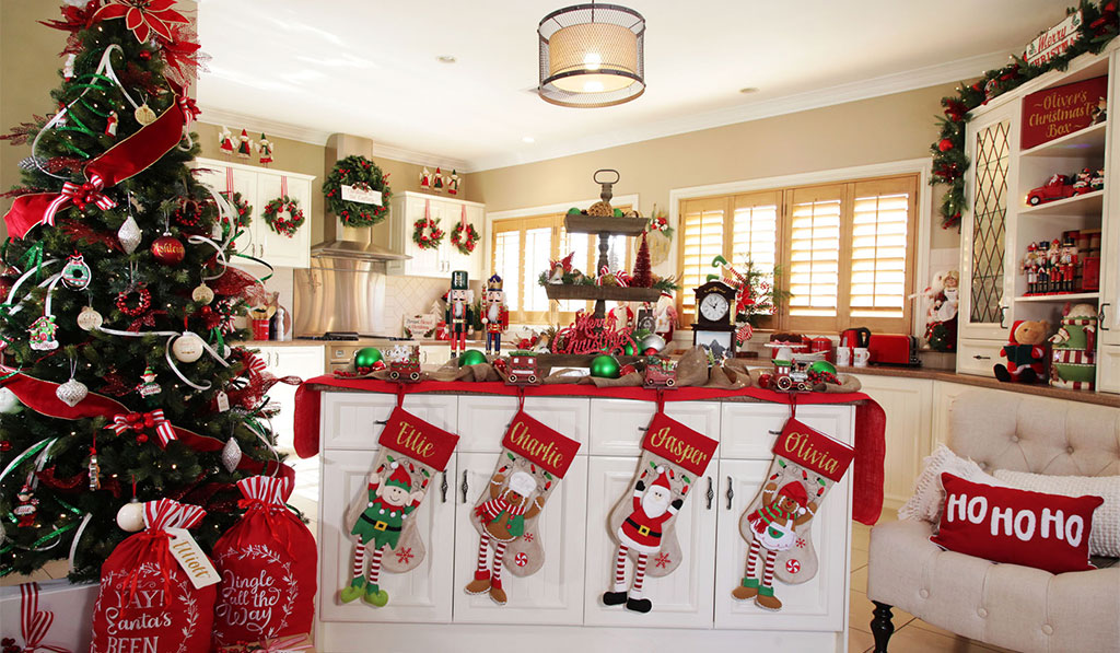 cocina decorada estilo santa claus navideño