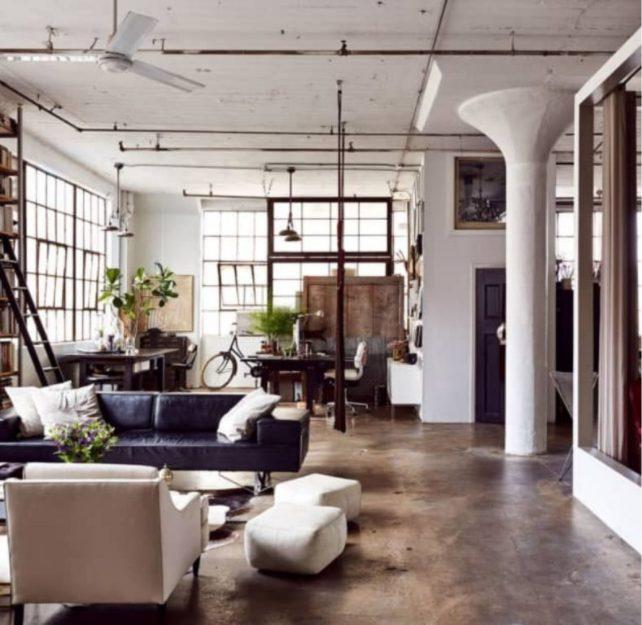 Salón industrial vintage en blanco y negro