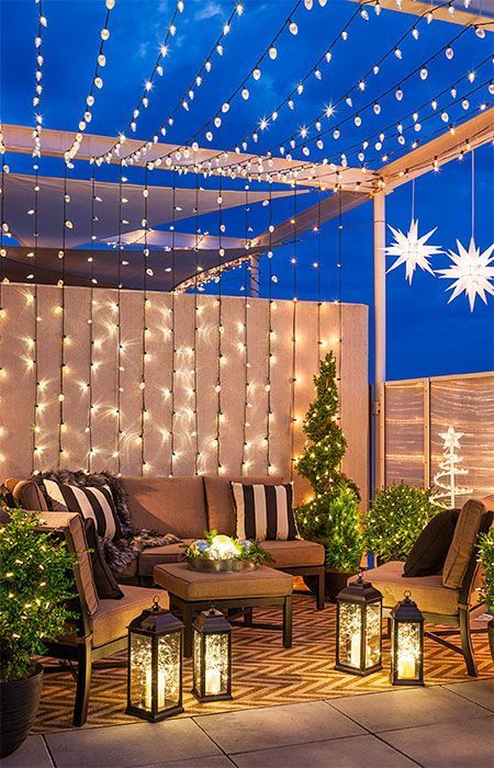 Vistiendo de luces la navidad el patio
