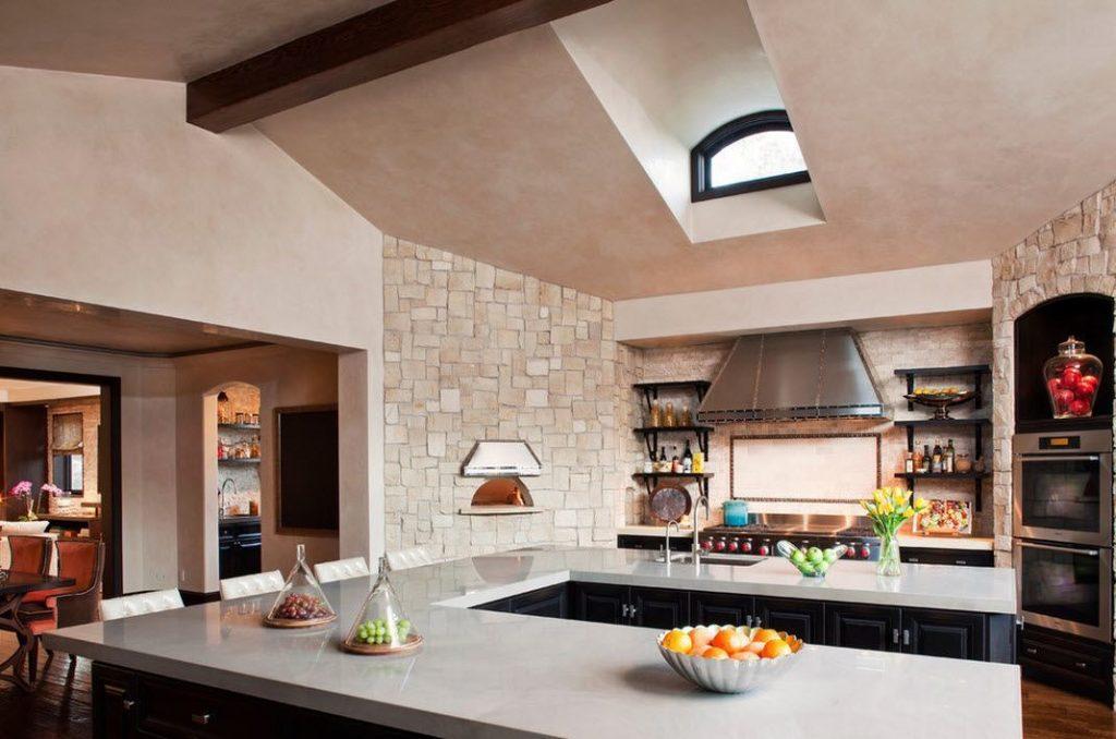 Añade pequeños detalles de piedra para decorar tu cocina