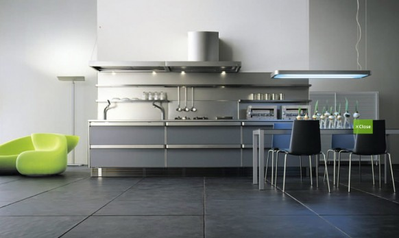 Cocina con paredes de acero inoxidable estilo japonés
