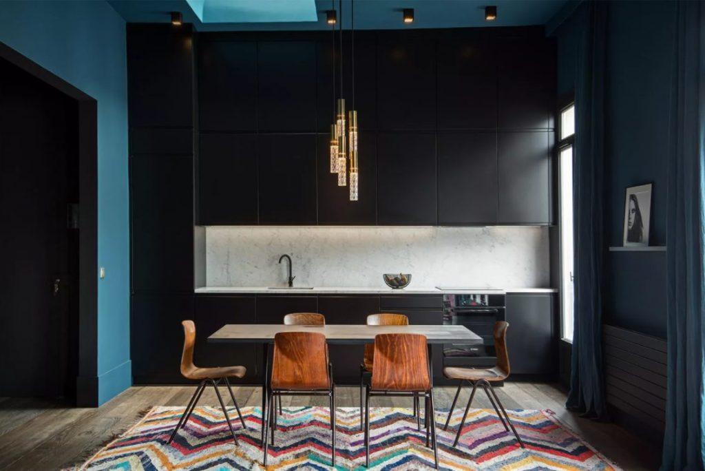 Cocinas con paredes negras y azules
