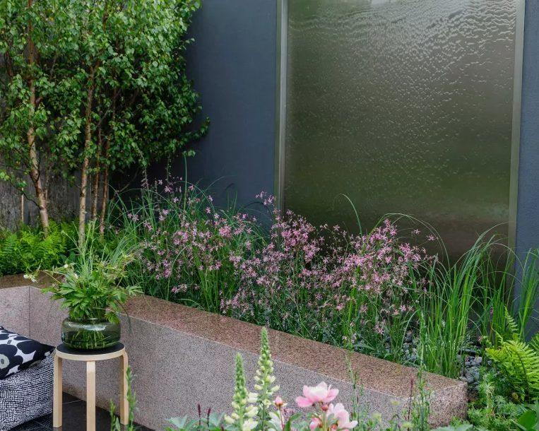 Crea una pared de agua en un muro exterior