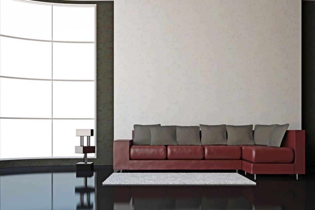 El burdeos queda perfecto en sofás de cuero