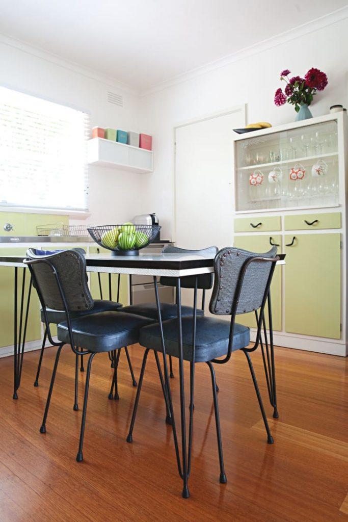 Elige muebles de estilo vintage para tu cocina pequeña