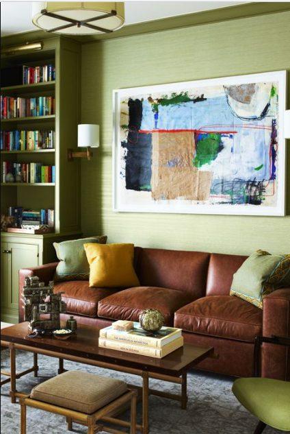 Verde para salones con muebles marrones