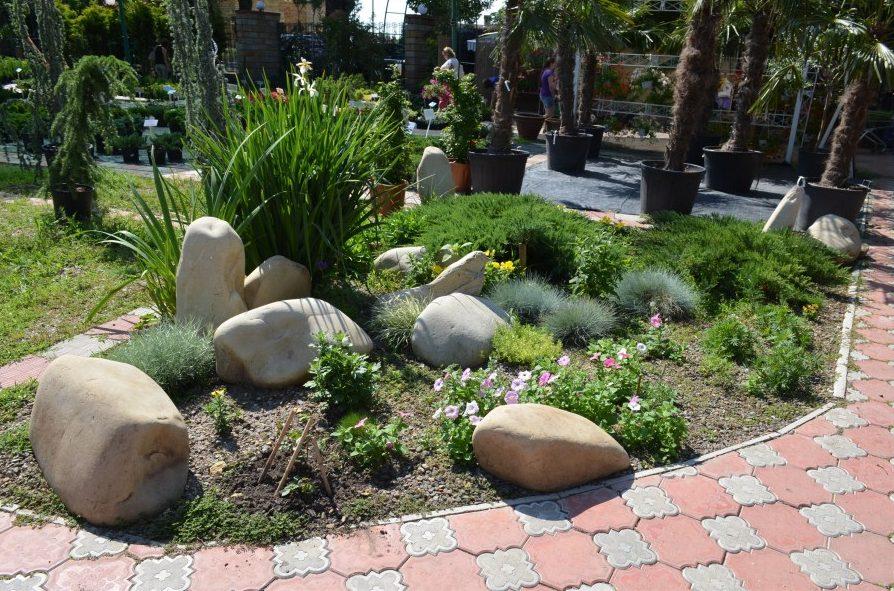 Piedras grandes de cuarzo para el jardín