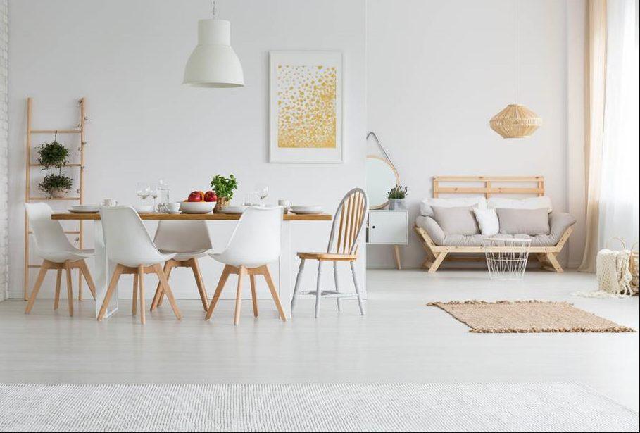 Sala comedor decorada en blanco