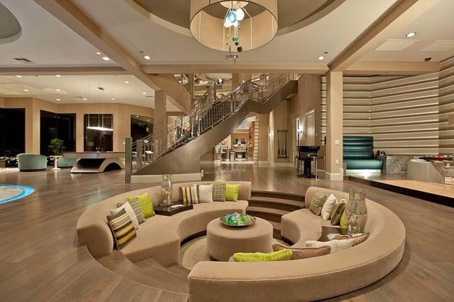 Lujoso y moderno salón en beige