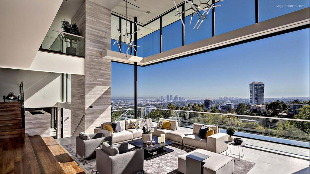 Moderno y lujoso salón con impresionantes cristaleras