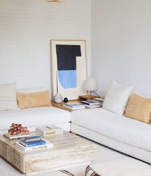 Reorganiza los muebles y encájalos en el rincón del salón