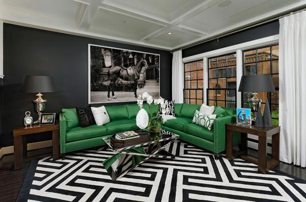 Salón en verde brillante con un aire industrial