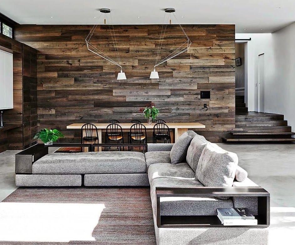 Salón moderno con paredes de madera