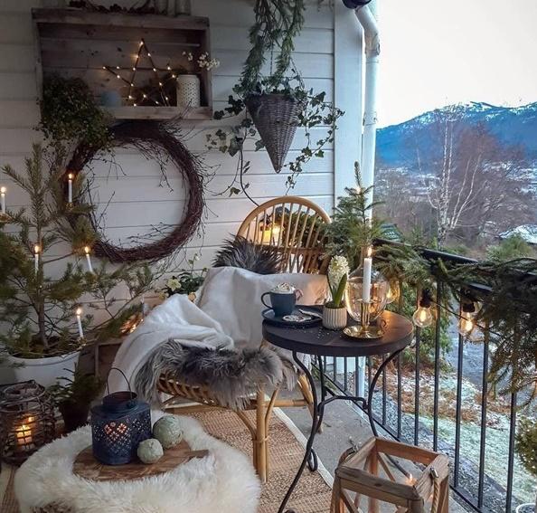 Balcón de montaña navideña en 2021