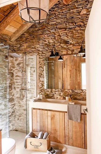 baños pequeños rústicos de piedra