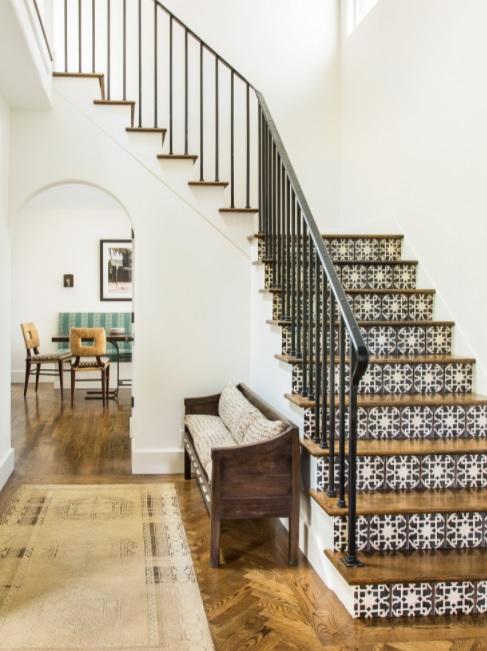 Que viva la variedad en casas mediterráneas con elementos de madera