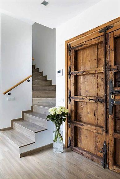 casa mediterránea de 2 pisos clásica
