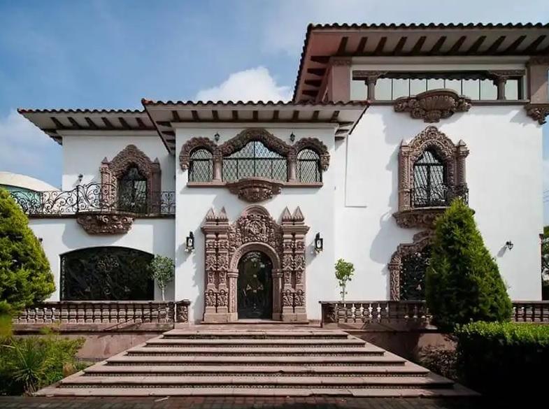 casa mediterránea de 2 pisos tradicional