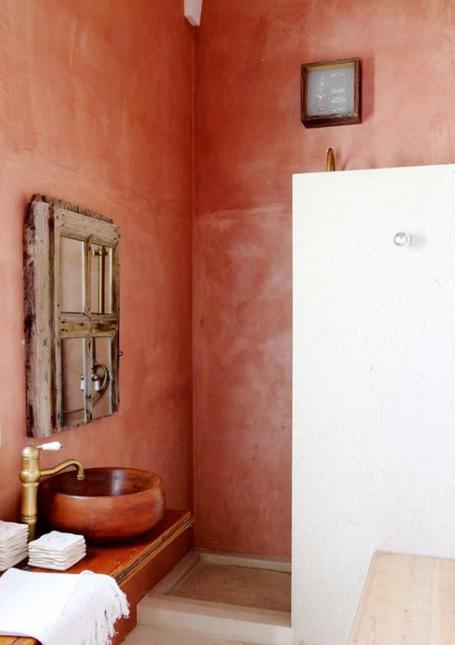 casa mediterránea de 2 pisos con colores