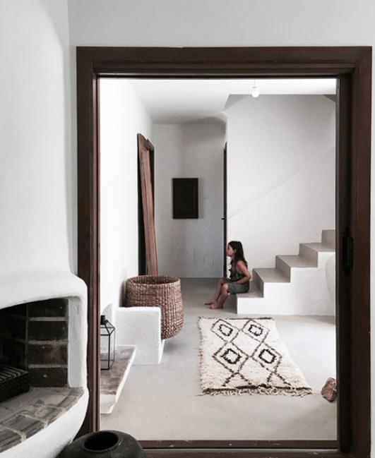 Sofisticación a tope y líneas depuradas en esta  casa mediterránea de 2 pisos