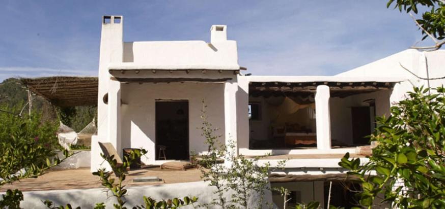 casa mediterránea de 2 pisos exterior e interior