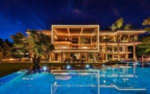 Casas grandes y modernas