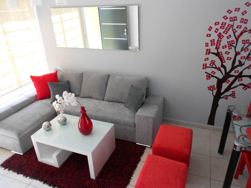 Combinación de butacas a juego con los cojines para sofá gris