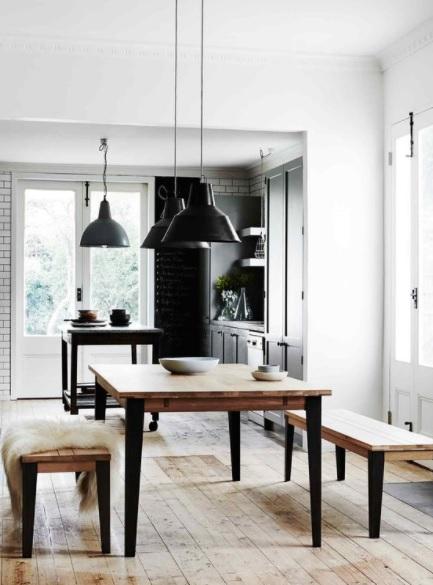 Comedor estilo nórdico industrial con madera
