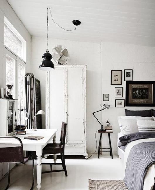 Dormitorio estilo nórdico industrial con una paleta de tonos complementarios