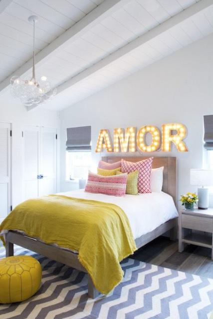 Dormitorio juvenil estilo nórdico y cálido